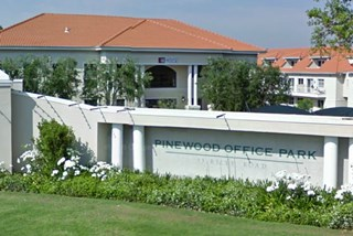 OfficeToLet-Woodmead-PinewoodOfficePark3.jpg