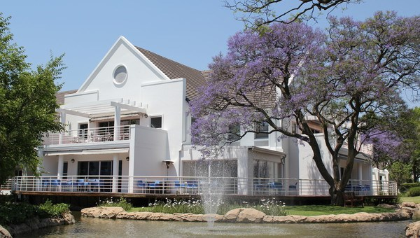 OfficeToLet-Woodmead-WoodmeadEstate1.jpg