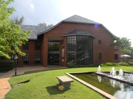 OfficeToLet-Bryanston-PeterPlaceOfficePark1.JPG