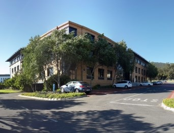 OfficeToLet-Parow-PlattekloofOfficePark1.jpg