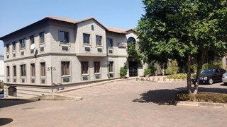 OfficeToLet-Bryanston-LibraryOfficePark1.jpg